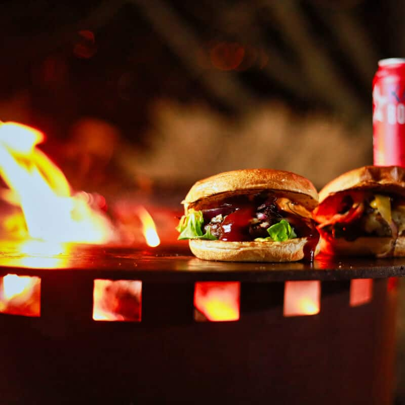 Grillfass aus Corten - Burger grillen